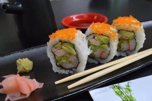 Sushi, calorie e rischi del pesce crudo